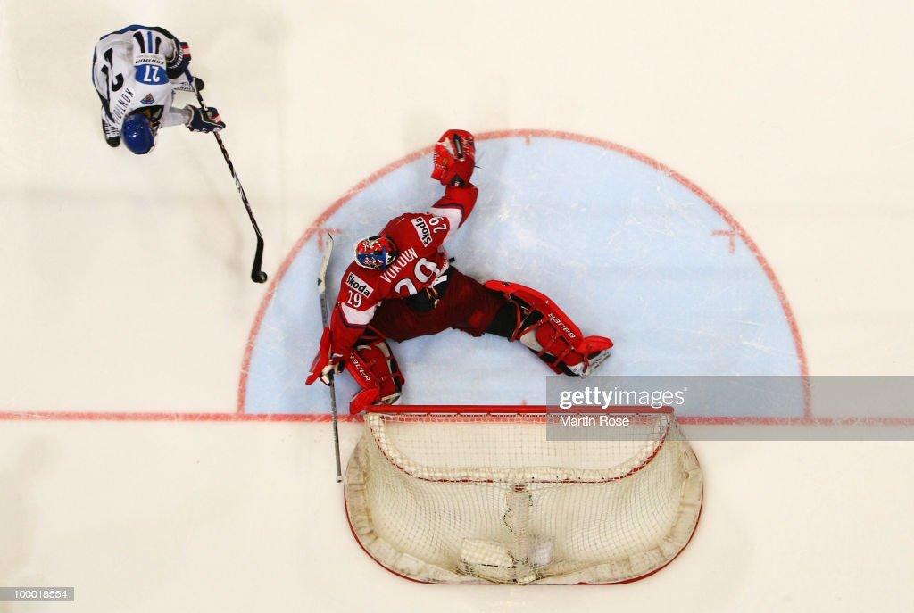 Finland v Czech Republic - 2010 IIHF World Championship