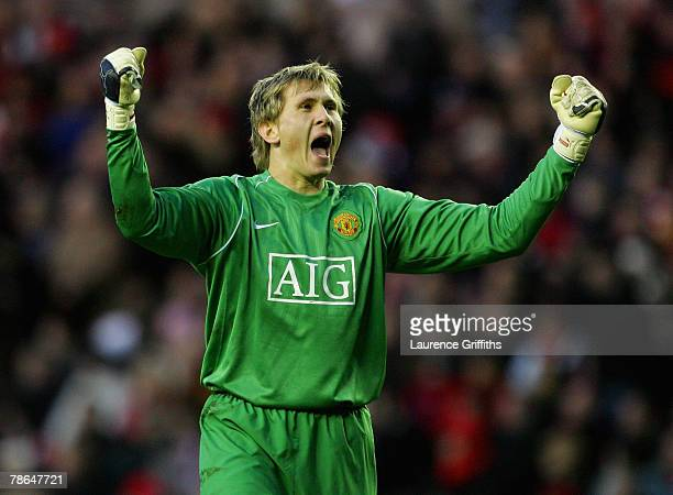 Tomasz Kuszczak of Manchester United celebrates the second goal during the Barclays Premier League match between Sunderland and Manchester United at...
