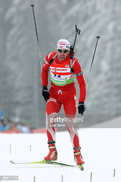 Tomasz Sikora of Poland competes during the Men's 15 km mass start in the e.on Ruhrgas IBU Biathlon World Cup on January 10, 2010 in Oberhof, Germany.