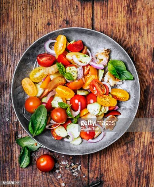 Tomato and bread salad (panzanella)
