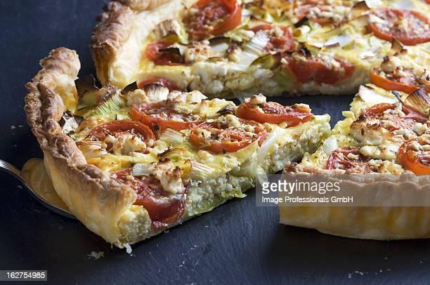 Tomato quiche with leek and feta
