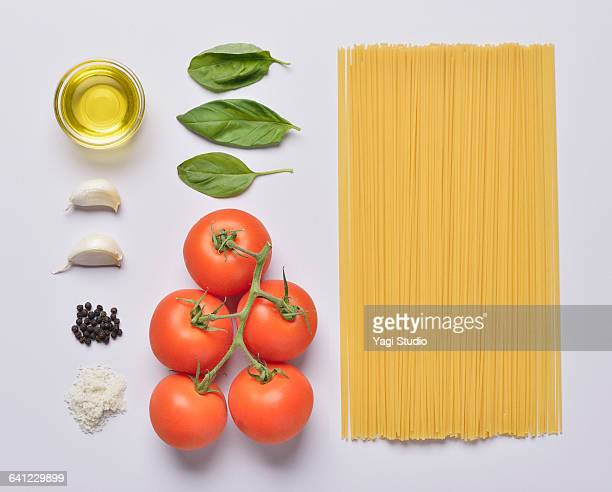 Tomato spaghetti knolling style.