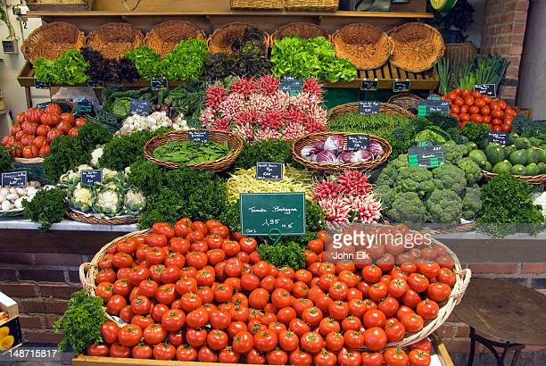 tomatoes and other produce for sale at market. - rouen stock pictures, royalty-free photos & images