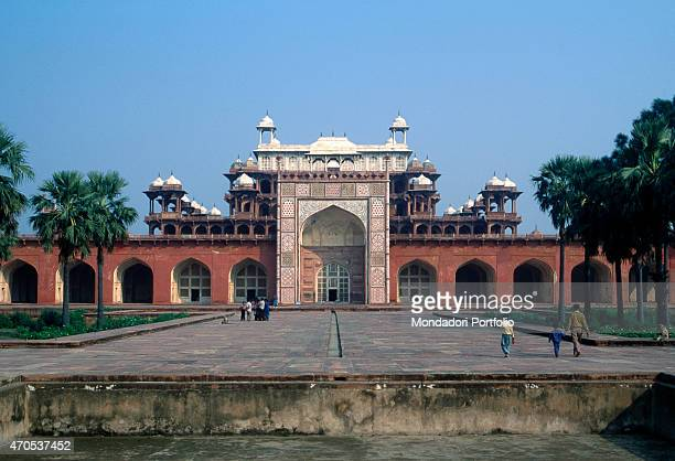 Tomb of Akbar by Moghul craftsmen 16051613 17th Century sandstone marble and inlaid work India Sikandra Whole artwork view Frontal view of the facade...