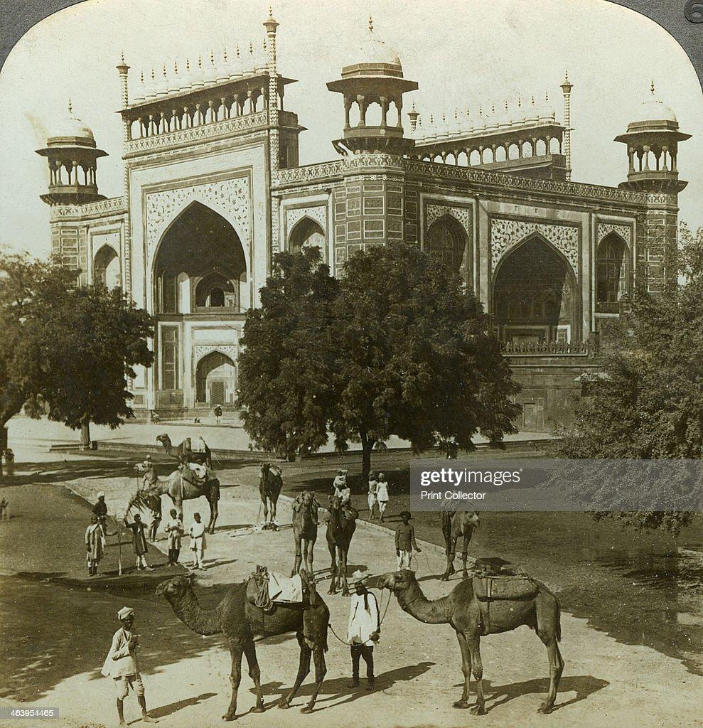 Tomb of Akbar, Sikandarah, Uttar Pradesh, India, c1900s(?).Artist: Underwood & Underwood : News Photo