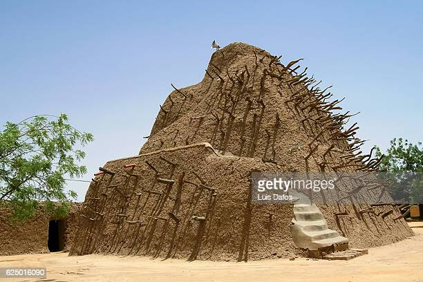 tomb of askia - tomb stock pictures, royalty-free photos & images