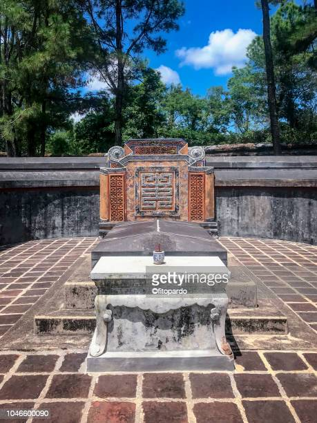 tomb of emperor tu duc or khiêm tomb - {{asset.href}} stock pictures, royalty-free photos & images