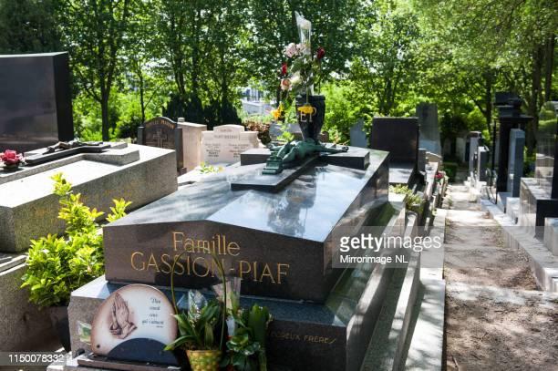 grav av den berömda franska sångaren edith piaf i paris - edith piaf bildbanksfoton och bilder