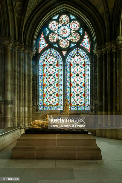 tomb of henri ii of france, basilica of saint denis, saint denis, france - basilica stock pictures, royalty-free photos & images