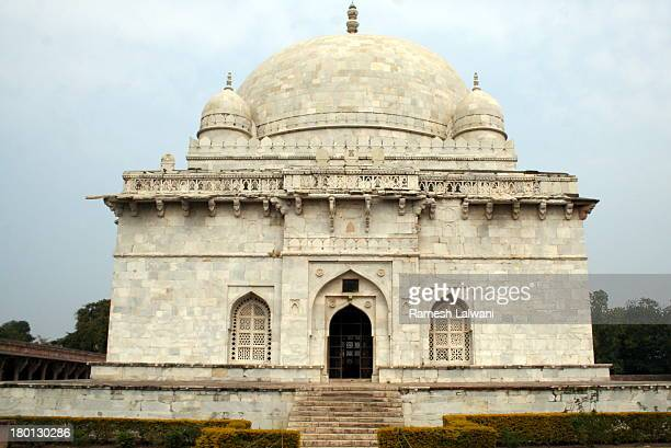 tomb of hoshang shah - hoshang shah's tomb stock pictures, royalty-free photos & images