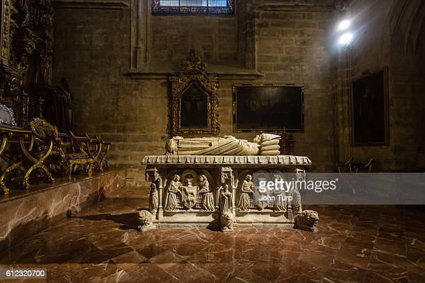 tomb of juan de cervantes, seville cathedral. - sarcophagus stock pictures, royalty-free photos & images