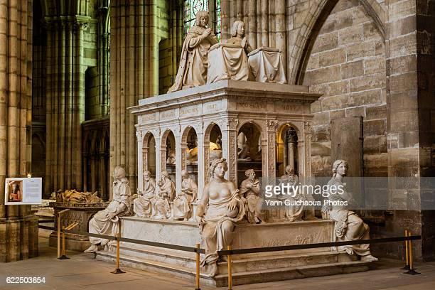 tomb of louis xii of france and anne de bretagne, basilica of saint denis, saint denis, france - saint denis paris stock pictures, royalty-free photos & images