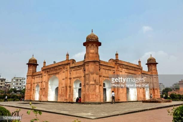 tomb of pori bibi; dhaka, bangladesh - dhaka stock pictures, royalty-free photos & images
