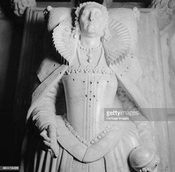 Tomb of Queen Elizabeth I Westminster Abbey London 19451980 Photograph taken 19451980 of the effigy of Queen Elizabeth I on her tomb in her...