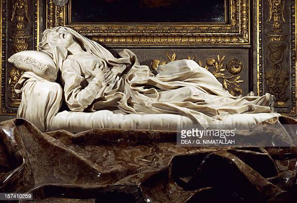 Tomb of the Blessed Ludovica Albertoni 16711675 marble work by Gian Lorenzo Bernini Church of San Francesco a Ripa Rome Italy 17th century