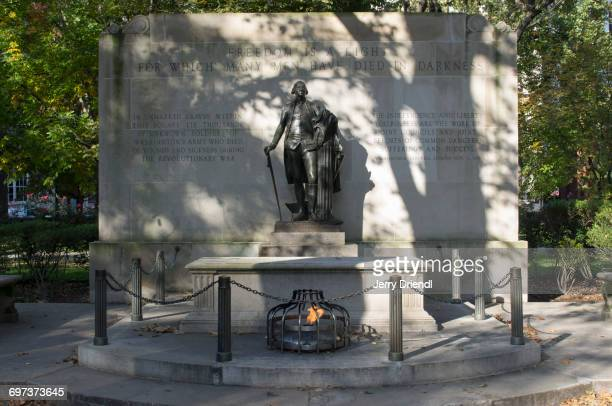 tomb of the unknown revolutionary war soldier. - war memorial stock pictures, royalty-free photos & images