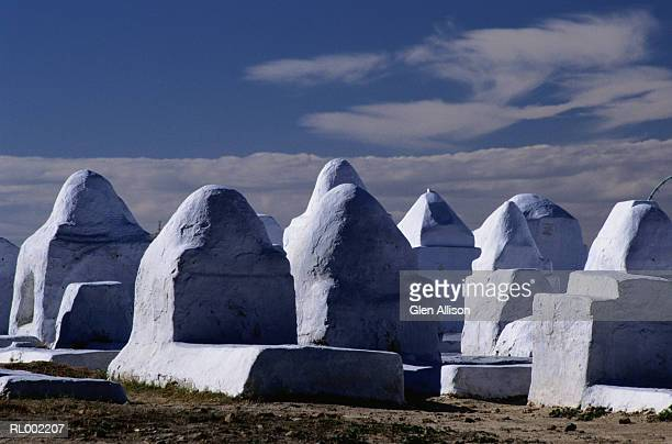 tombs at the great mosque - sousse stock pictures, royalty-free photos & images
