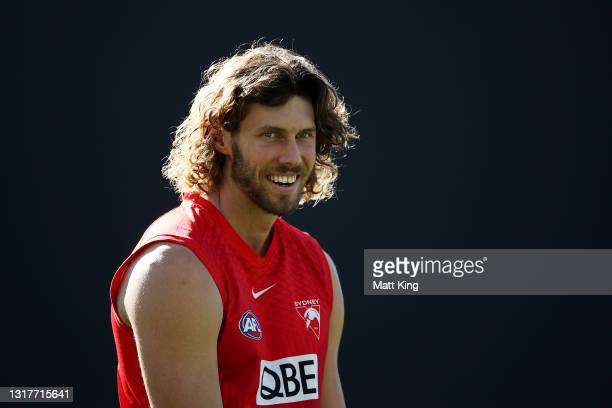TomHickey looks on during a Sydney Swans AFL training session at Sydney Cricket Ground on May 13, 2021 in Sydney, Australia.
