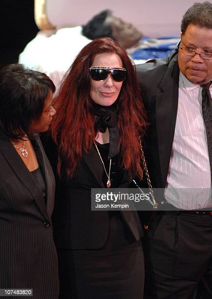 Tomi Rae Hynie widow of James Brown during James Brown Viewing At The Apollo Theater December 28 2006 at The Apollo Theater in New York City New York...