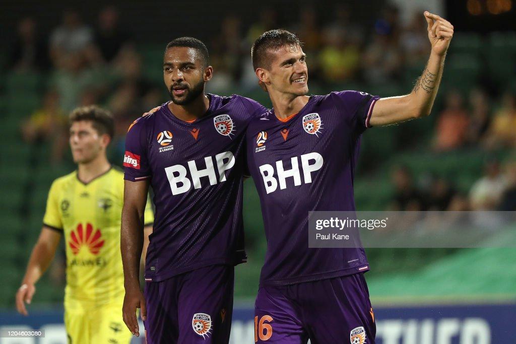 A-League Rd 18 - Perth v Wellington : News Photo