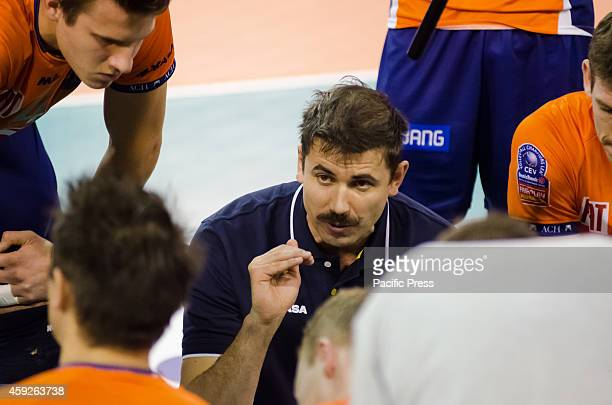 Tomislav muc head coach of ACH Volley gives instructions