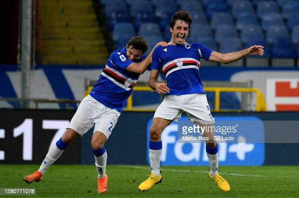 Tommaso Augello of UC Sampdoria celebrates after scoring the second goal with his team mates during the Serie A match between UC Sampdoria and SS...