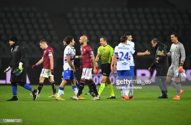 Tommaso Augello of U.C. Sampdoria shakes hands with Simone Zaza of Torino F.C. After the Serie A match between Torino FC and UC Sampdoria at Stadio...