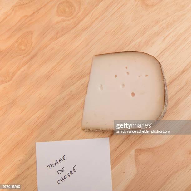 tomme de chèvre - crosta di formaggio foto e immagini stock