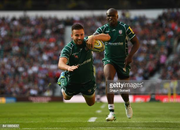Tommy Bell of London Irish scores their second try during the Aviva Premiership match between London Irish and Harlequins at Twickenham Stadium on...