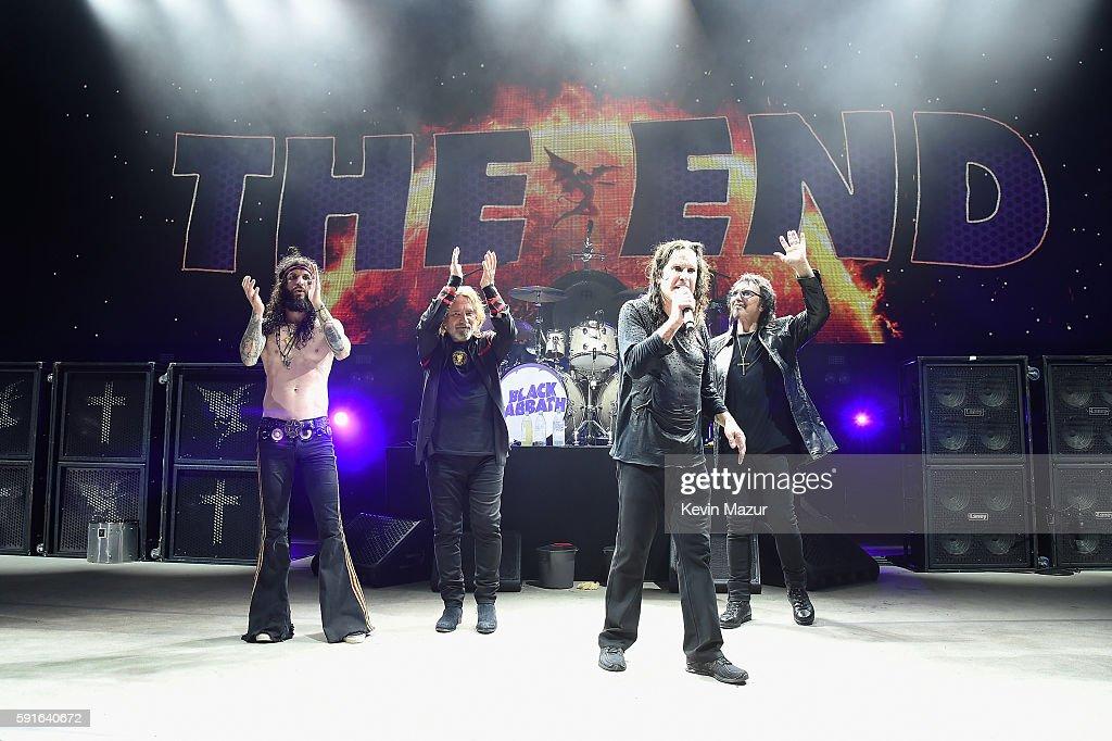 Black Sabbath Performs at Jones Beach : Fotografía de noticias