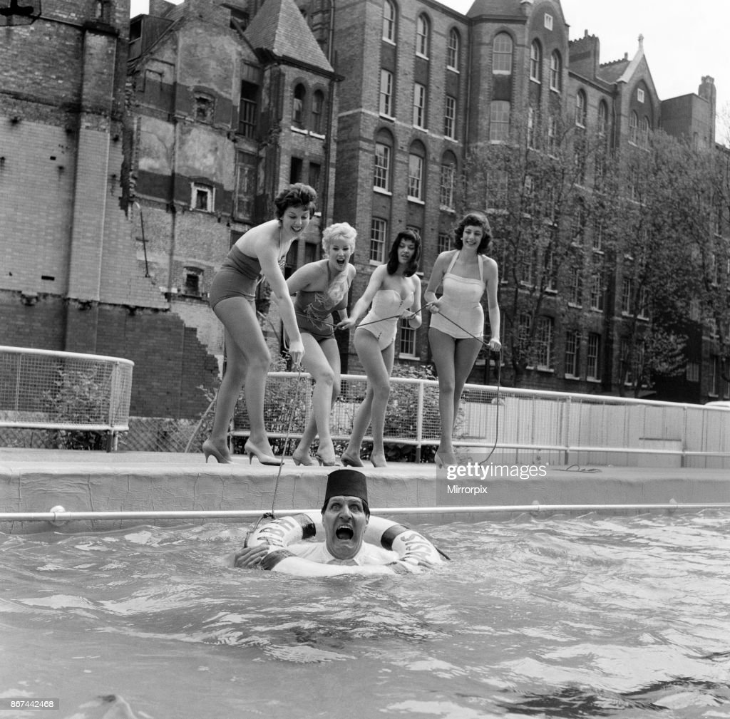 Tommy Cooper opening the Oasis outdoor swimming pool in ...
