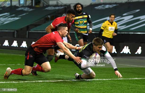 Tommy Freeman of Northampton Saints scores their second try during the European Rugby Challenge Cup match between Northampton Saints and Ulster Rugby...