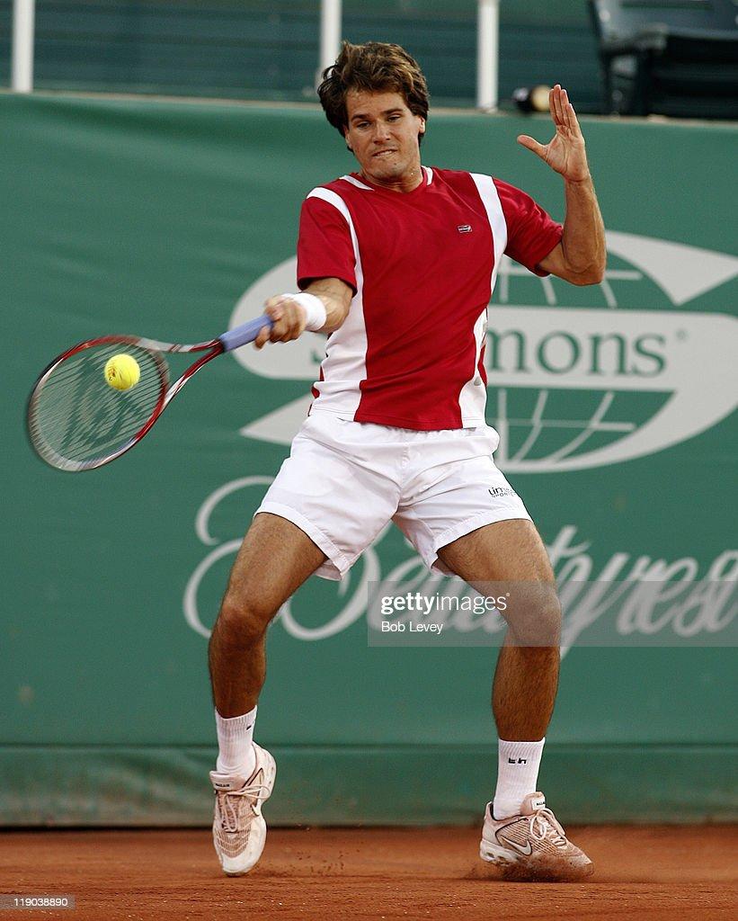 ATP - 2006 Men's Clay Court Championships - Tommy Haas vs Oscar Hernandez : ニュース写真