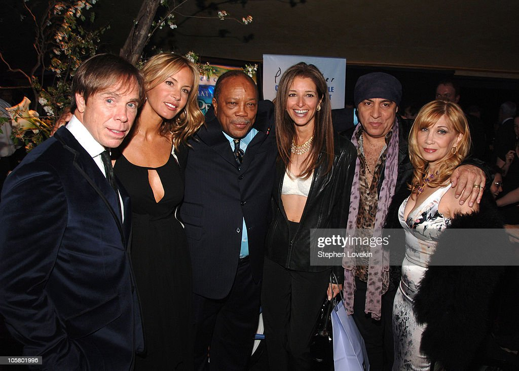 """""""We Are Family Foundation"""" to Honor Elton John, Quincy Jones & Tommy Hilfiger"""