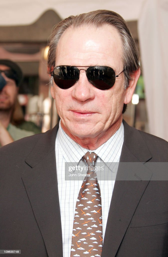 "2005 Toronto Film Festival - ""The Three Burials of Melquiades Estrada"" Premiere : News Photo"