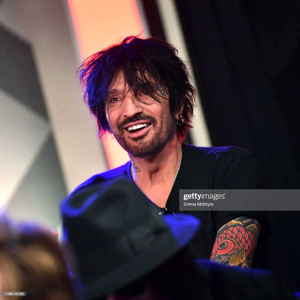 Press Conference For THE STADIUM TOUR DEF LEPPARD - MOTLEY CRUE - POISON At SiriusXM's Hollywood Studios : News Photo