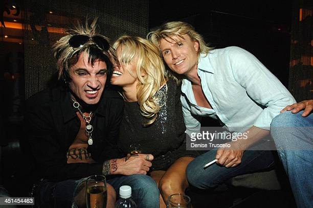 Tommy Lee Pamela Anderson and Hans Klok during Pamela Anderson and Tommy Lee at The Heart Bar at Planet Hollywood Resort and Casino at The Heart Bar...