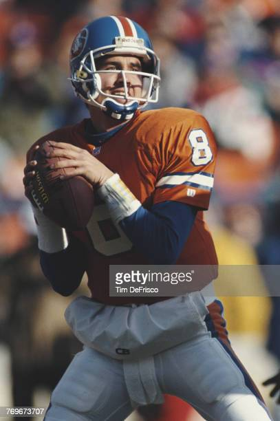 Tommy Maddox Quarterback for the Denver Broncos during the American Football Conference West game against the Dallas Cowboys on 6 December 1992 at...