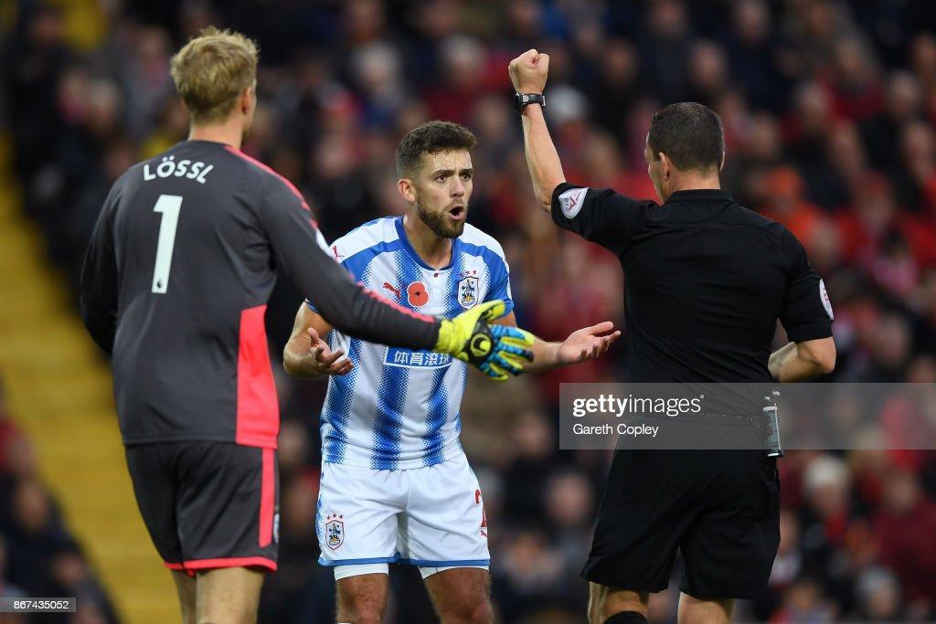 Liverpool v Huddersfield Town - Premier League : News Photo