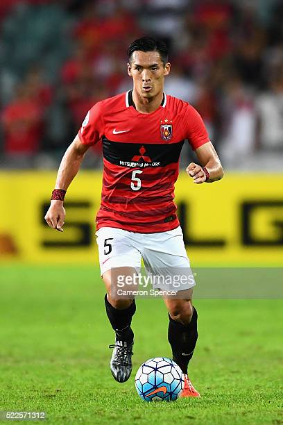 Tomoaki Makino of the Red Diamonds dribbles the ball during the AFC Asian Champions League match between Sydney FC and Urawa Red Diamonds at Allianz...