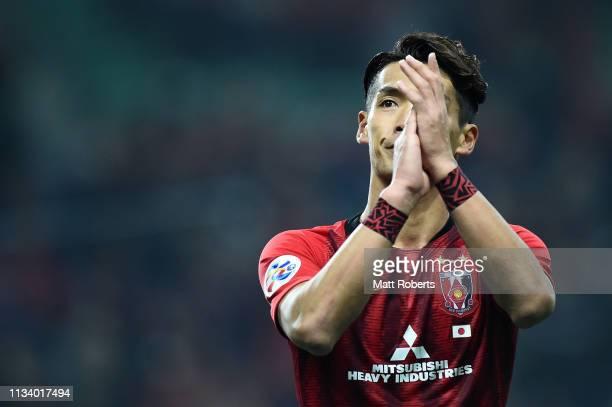 Tomoaki Makino of Urawa Red Diamonds acknowledges the crowd after the AFC Champions League Group G match between Urawa Red Diamonds and Buriram...