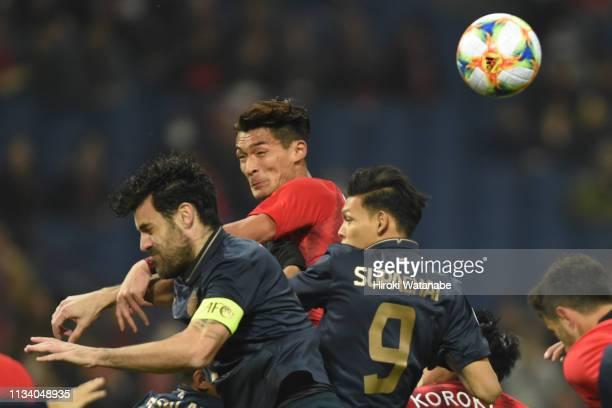 Tomoaki Makino of Urawa Red Diamonds in action during the AFC Champions League Group G match between Urawa Red Diamonds and Buriram United at Saitama...