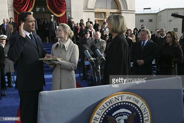 WING 'Tomorrow' Episode 22 Aired 5/14/06 Pictured Jimmy Smits as President Matthew Santos Teri Polo as Helen Santos Ann Ryerson as Chief Justice...