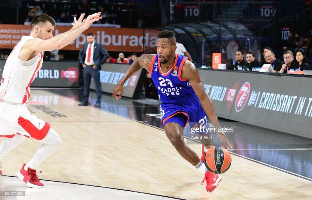 Toney Douglas, #23 of Anadolu Efes Istanbul in action during the 2017/2018 Turkish Airlines EuroLeague Regular Season Round 17 game between Anadolu Efes Istanbul and Crvena Zvezda mts Belgrade at Sinan Erdem Dome on January 12, 2018 in Istanbul, Turkey.