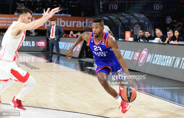 Toney Douglas #23 of Anadolu Efes Istanbul in action during the 2017/2018 Turkish Airlines EuroLeague Regular Season Round 17 game between Anadolu...