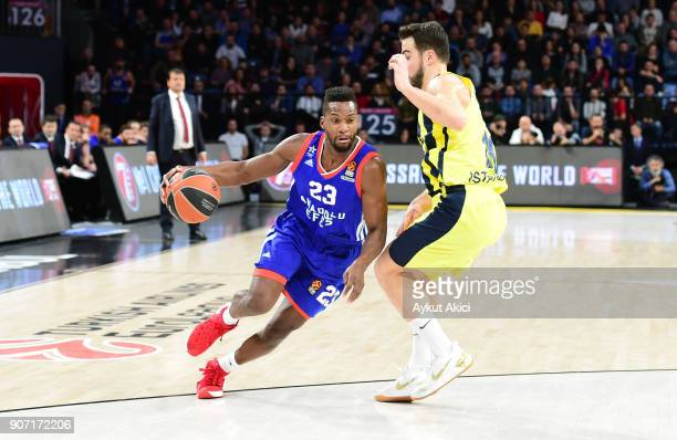 Toney Douglas #23 of Anadolu Efes Istanbul in action during the 2017/2018 Turkish Airlines EuroLeague Regular Season Round 19 game between Anadolu...