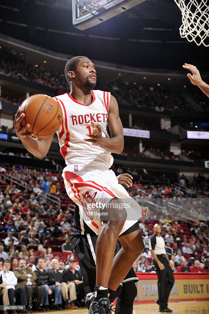 Toney Douglas #15 of the Houston Rockets drives to the basket against the Brooklyn Netson January 26, 2013 at the Toyota Center in Houston, Texas.
