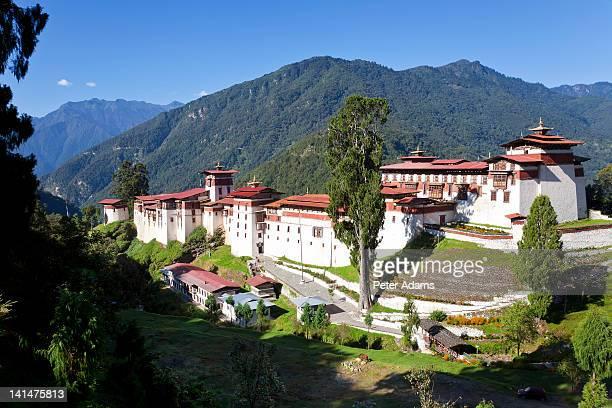 tongsa dzong, buddhist monastery, tongsa, bhutan - trongsa district stockfoto's en -beelden