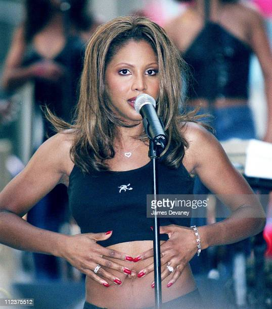 Toni Braxton performs during Toni Braxton Performs on 'The Today Show' August 11 2000 at NBC Studios Rockefeller Center in New York City New York...