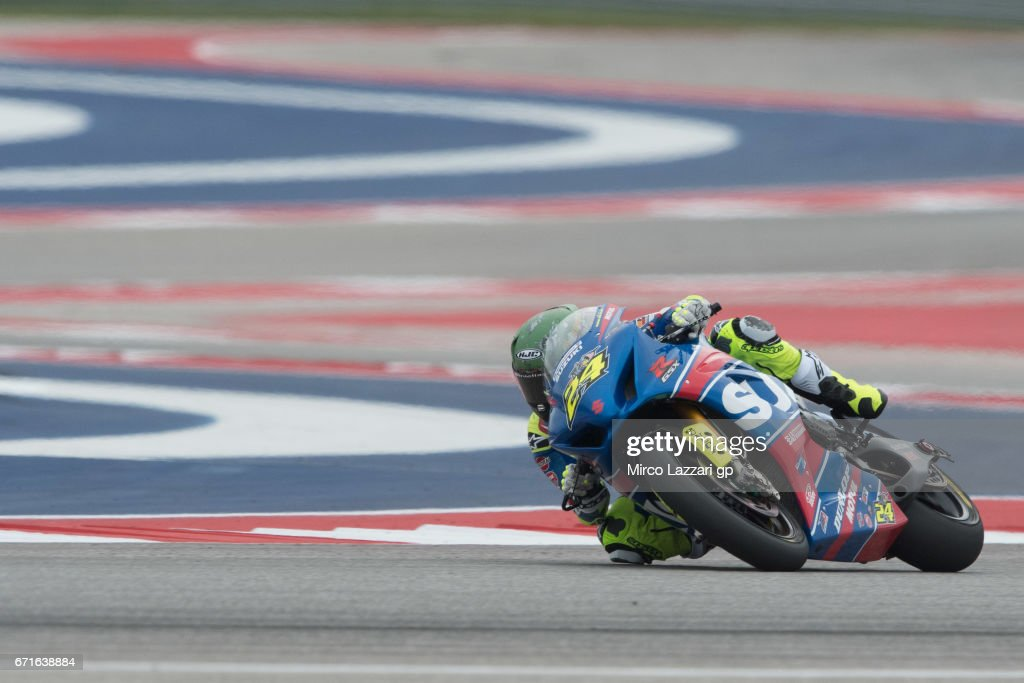 Toni Elias of Spain and Yoshumira Suzuki Factory Racing rounds the bend during the Moto America Superbike race during the MotoGp Red Bull U.S. Grand Prix of The Americas - Qualifying at Circuit of The Americas on April 22, 2017 in Austin, Texas.
